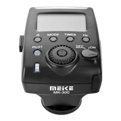 The Meike MK-300 flash for Nikon